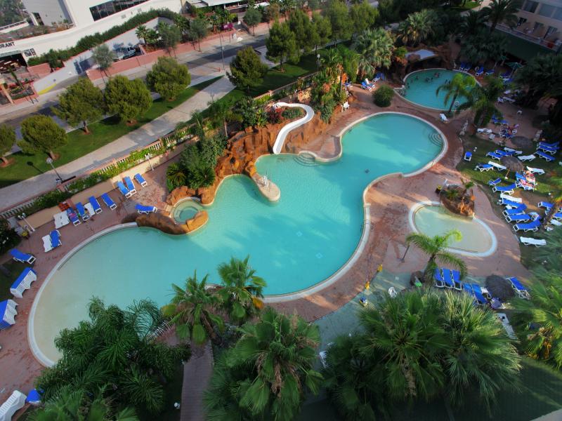 15 hoteles para familias numerosas en todo inclu do for Hoteles baratos en sevilla con piscina
