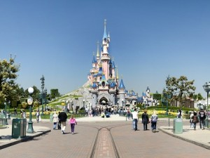 Cuánto cuesta comer en Disneyland París