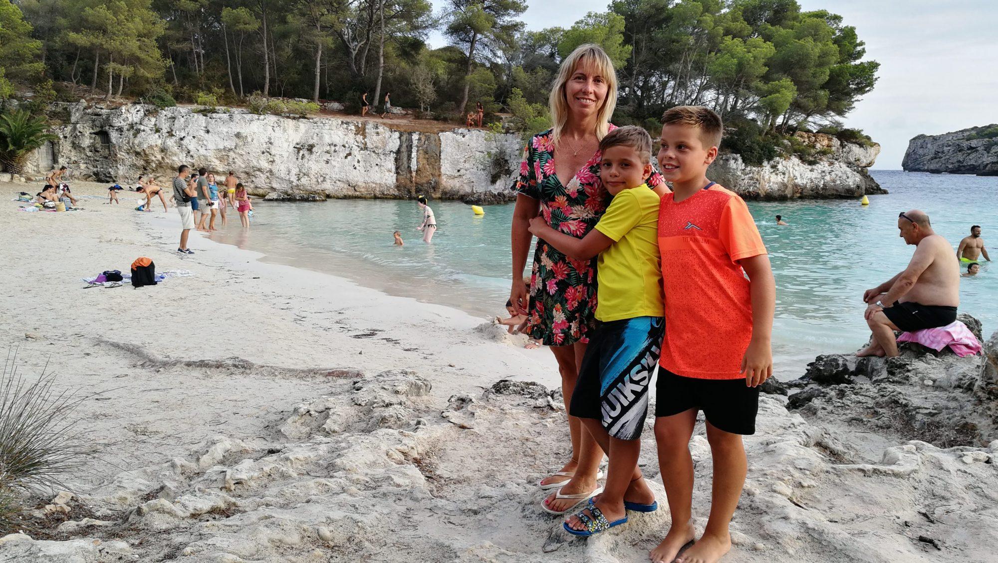Cala Turqueta familias numerosas en menorca